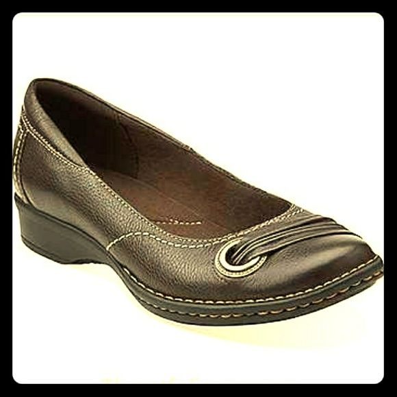 Details about Clarks Womens Sandals Flats Size 8M Slip On Shoes Brown Leather wStitch Detail